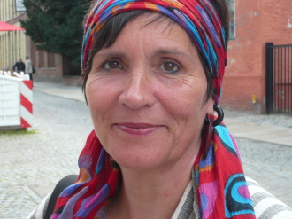 Märchenerzählerin, Poesietherapeutin, Tarotberaterin
